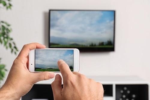 jak połączyć smartfon z telewizorem